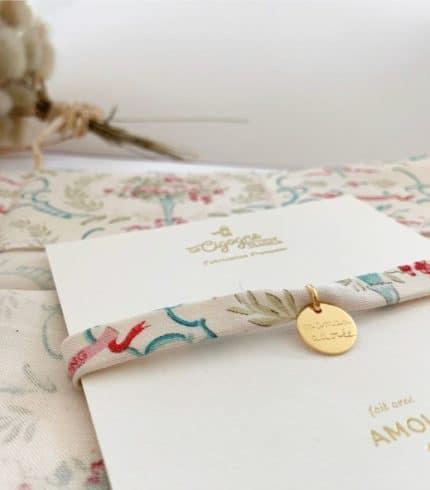 bracelet personnisable Poésie La Cigogne de Lily en plaqué or à graver